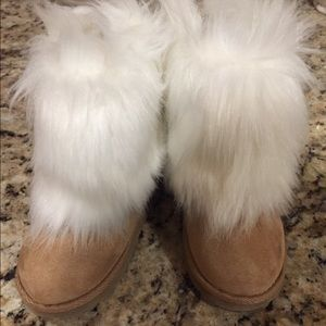 Baby gap brand new winter boots with fur